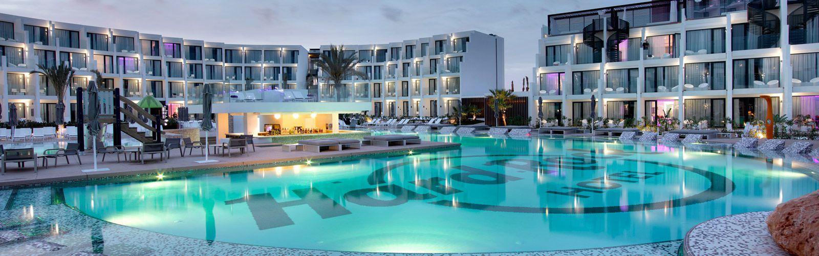fiesta hotel and casino employment